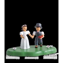 WOG 004-4 Brautpaar auf Wolke, farbig von Blank Kunsthandwerk, Gruenhainichen
