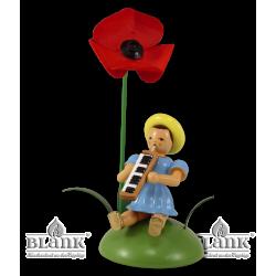 BKS 028 Blumenkind mit Mohnblume und Melodika, sitzend von Blank Kunsthandwerk, Gruenhainichen